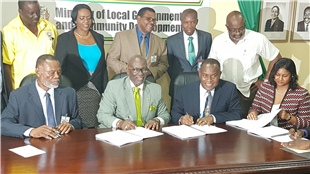LOCAL GOVERNMENT MINISTER SIGNS $190 MILLION CONTRACT FOR NEW PORTMORE MUNICIPAL CORPORATION BUILDING Published: Monday   May 22, 2017